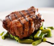 Rinderfilet auf Heidelbeeren mit nur 14g Kohlenhydraten