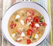 """Omelett """"Tomaten-Mozzarella"""" mit nur 7 g Kohlenhydraten"""